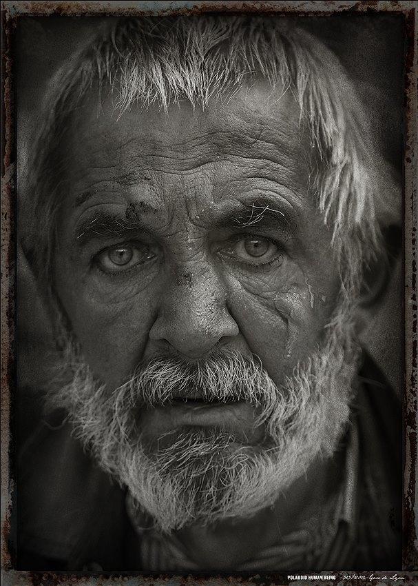 0001 Polaroid human being / Gare de Lyon